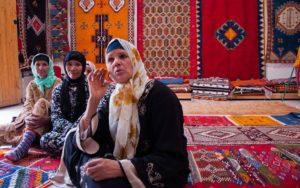 L'histoire des femmes de Taznakhte brodée sur les métiers à tisser