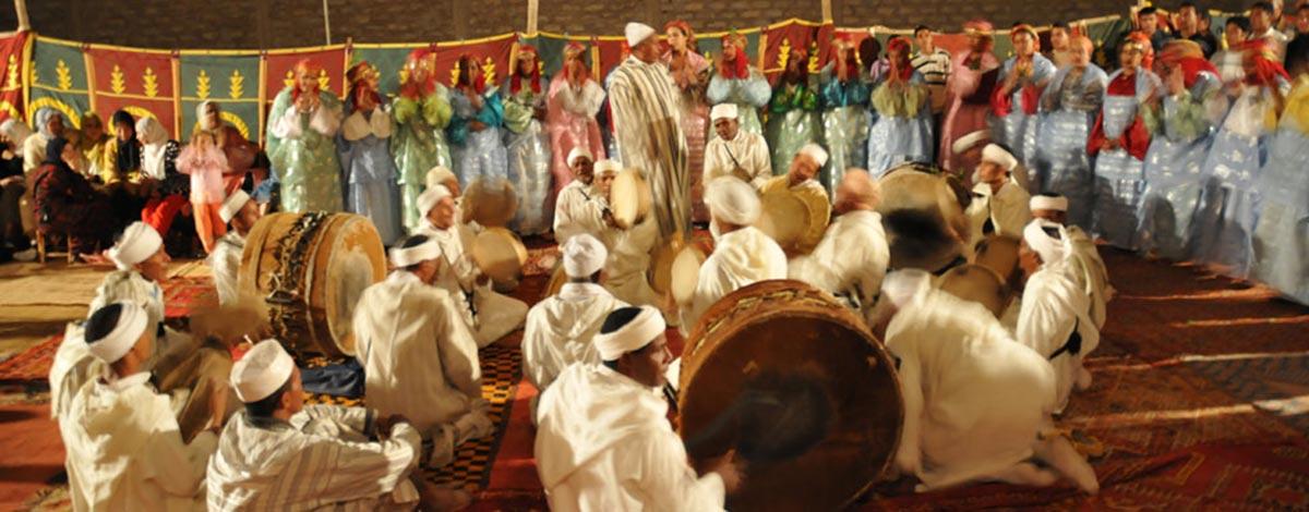 Troupe Ahwach au festival d'Ouarzazate