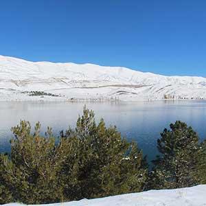 Le lac près de Midelt est un rendez-vous touristique majeur.