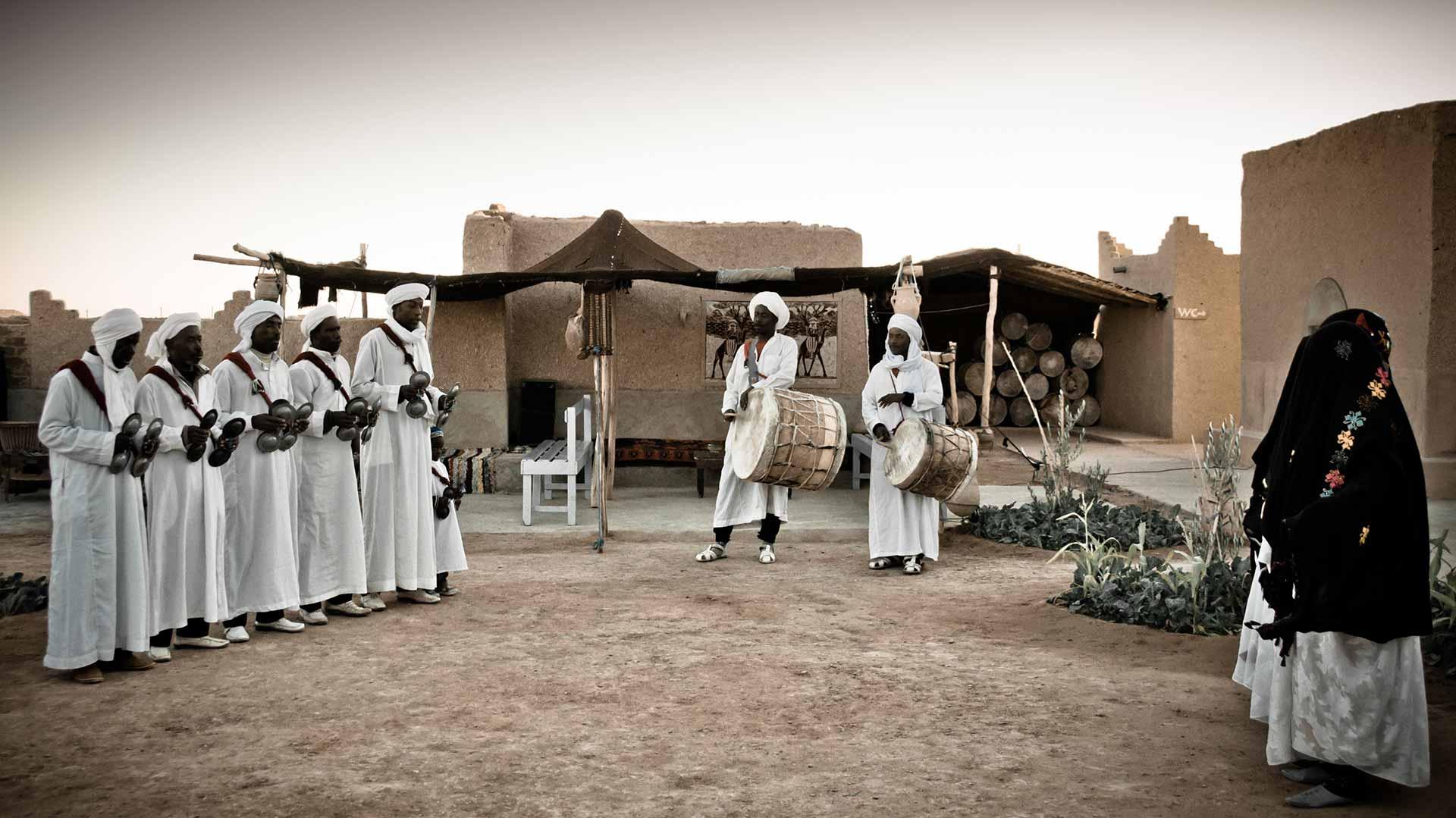 Khamlia, le village marocain qui vit aux rythmes de la musique gnaoua -  Sudestmaroc.com
