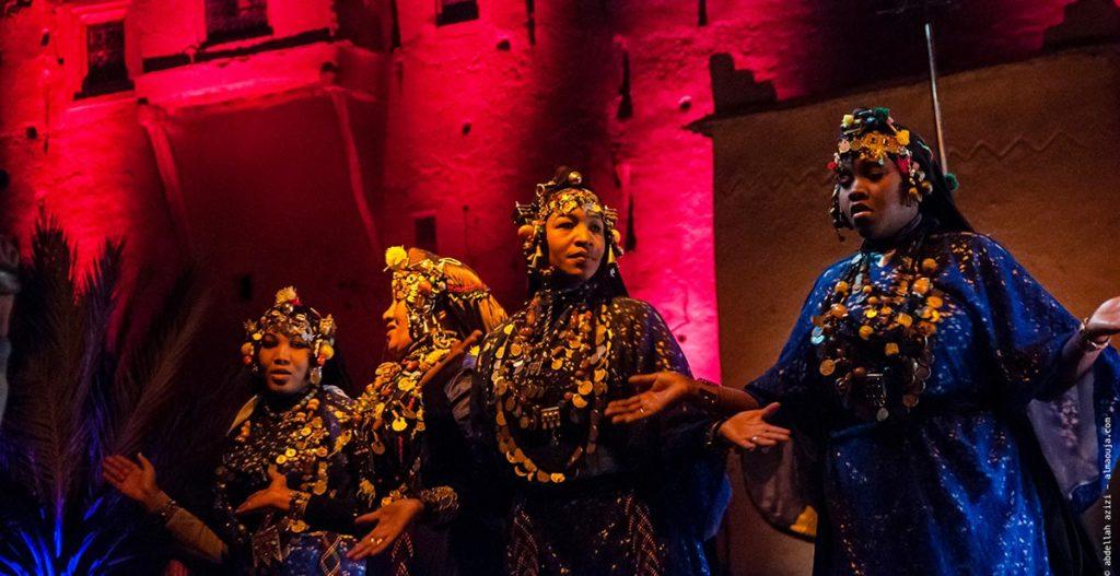 L'art de la danse et du chant embellissent les femmes du Sud Est marocain
