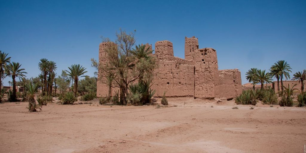 Casbah en ruine à l'oasis de Skoura