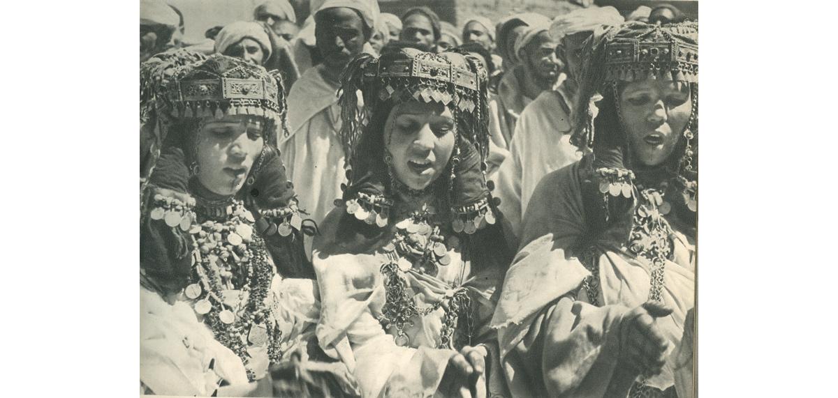 Les femmes d'ahwach Ouarzazate - Source : www.ouarzazate-1928-1956.fr