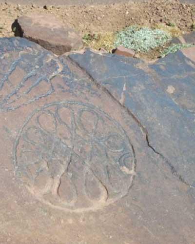 Gravure rupestre sur le site d'Igounyar près d'Oukaïmeden