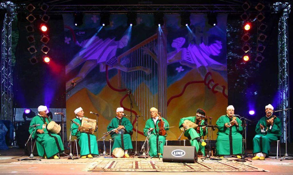 Les Maîtres musiciens de Jajouka sous la direction de Bachir Attar
