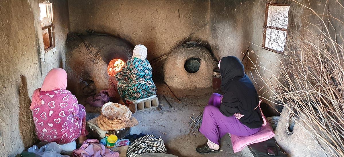 Cuisson du pain berbère, le Tafernout